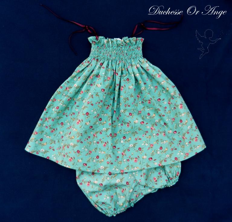 Green and little roses pattern cotton smocked set - 6 months old