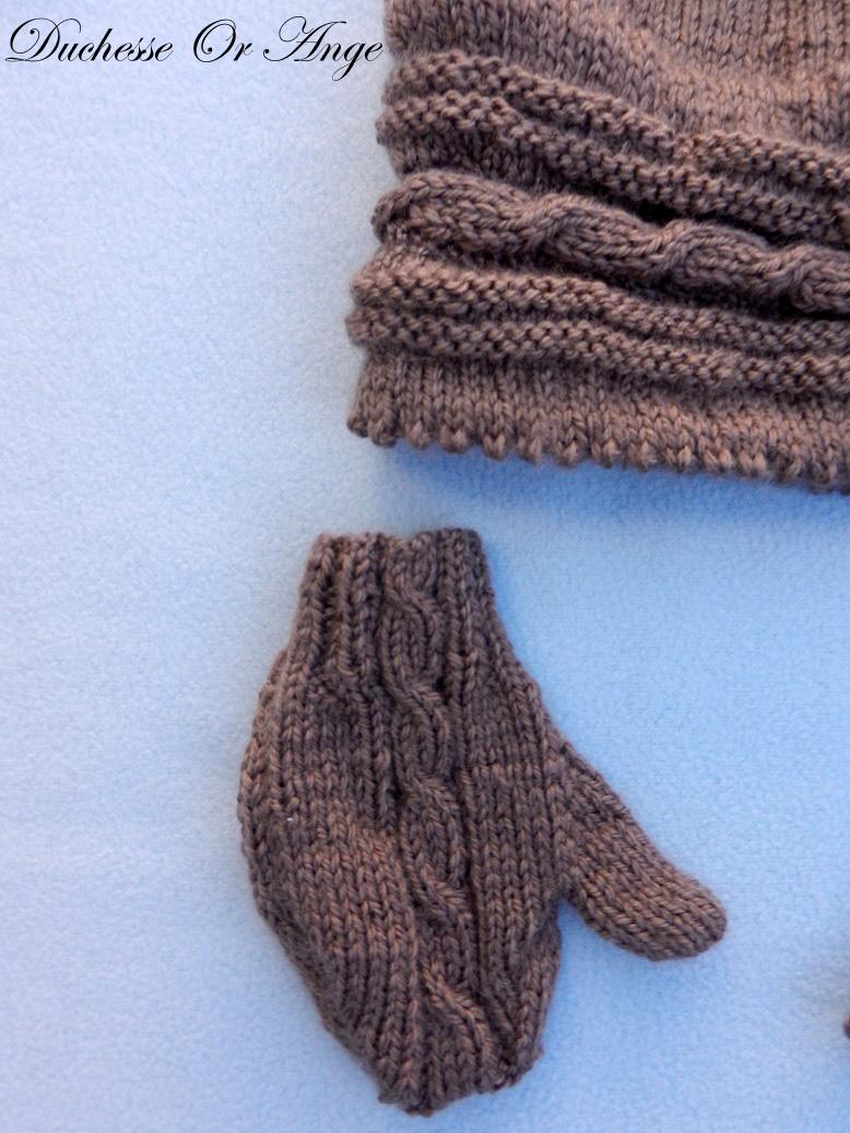 Doa 132 b bonnet et gants marrons bebe brown baby hat gloves