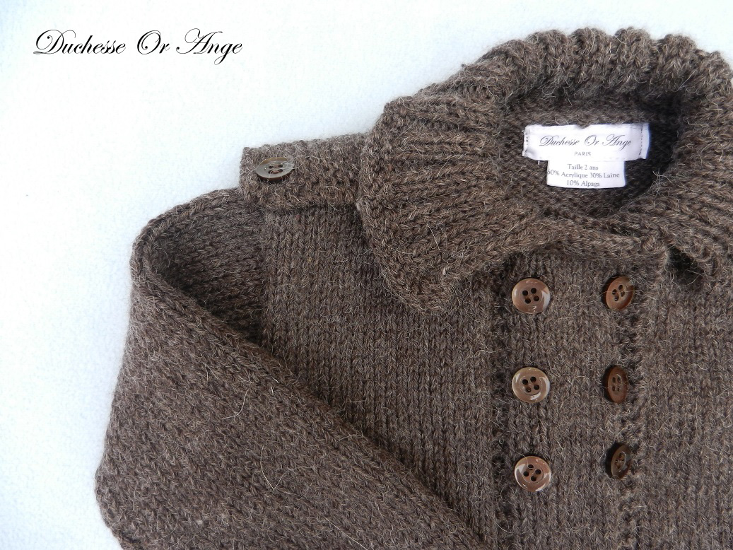 Doa 140 b gilet en tricot marron avec epaulettes 2 ans brown knitted cardigan with shoulder straps 2 years old