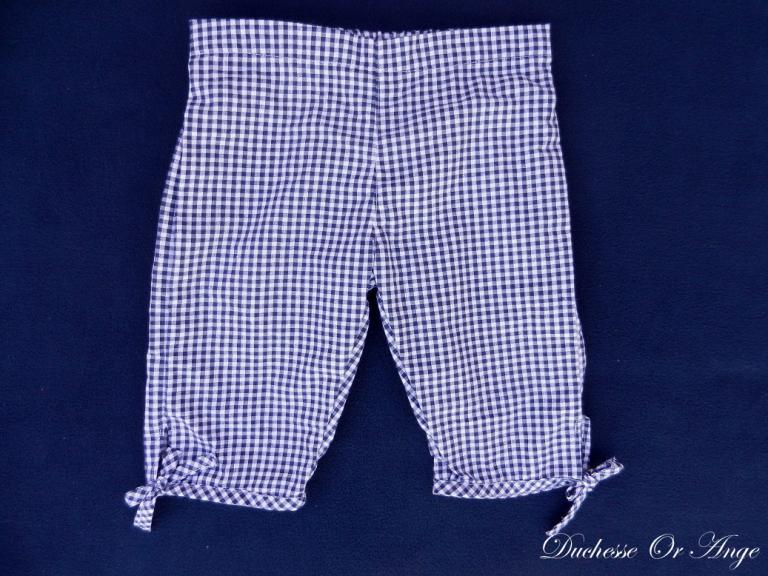 White and navy gingham cotton capri pants - 3 years old