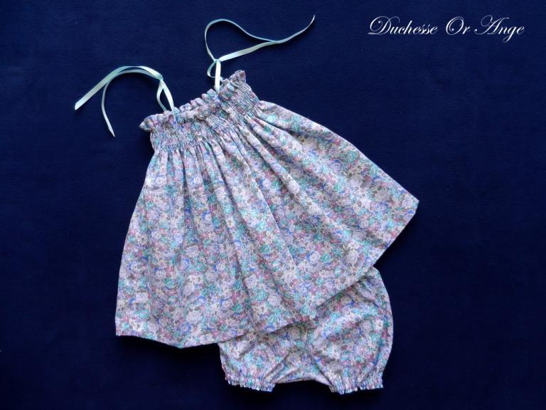 Ensemble à smocks en coton imprimé fleurs bleues et vertes - 6 mois
