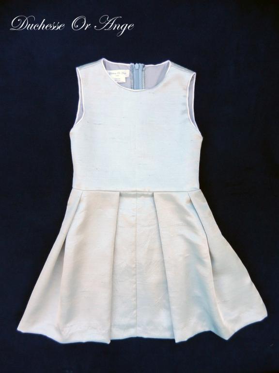 Flat pleats sleeveless dress in silver grey silk - 6 years old