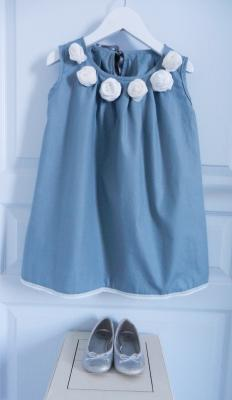 Grey cotton dress ornated with off white fabric roses - 4 years old