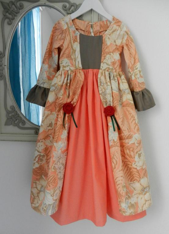 Orange Marchioness dress decorated with red roses - 6 years old