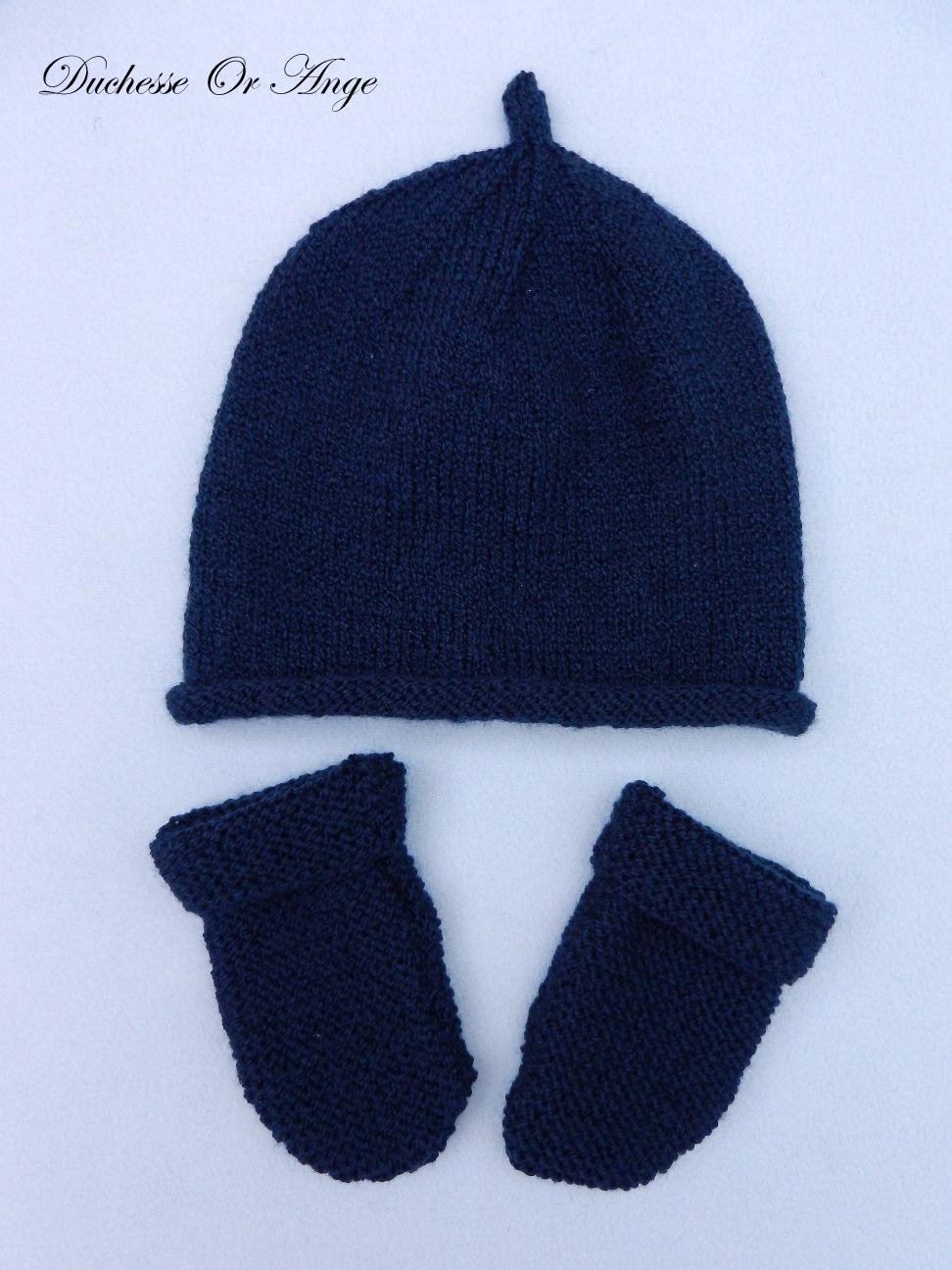 Doa 94 a bonnet et moufles bleu marine