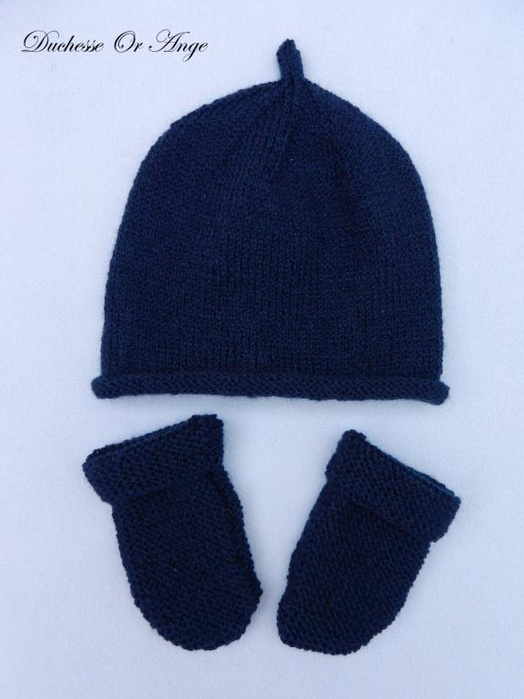 Navy bay hat and mittens - New born