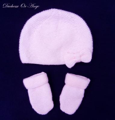 Powder pink baby hat and mittens - 3 months old