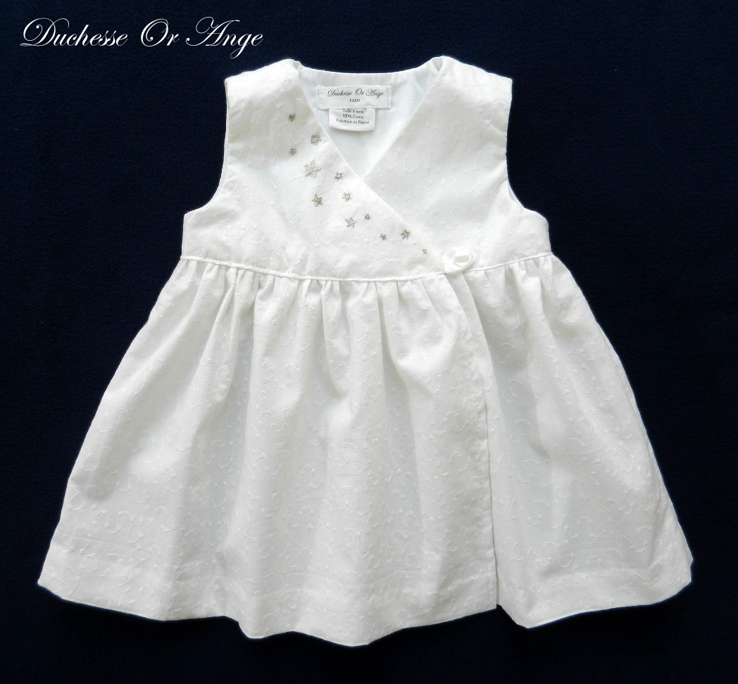 Doa 97 robe bebe blanche broderies etoiles argent white baby dress with silver star embroidery a