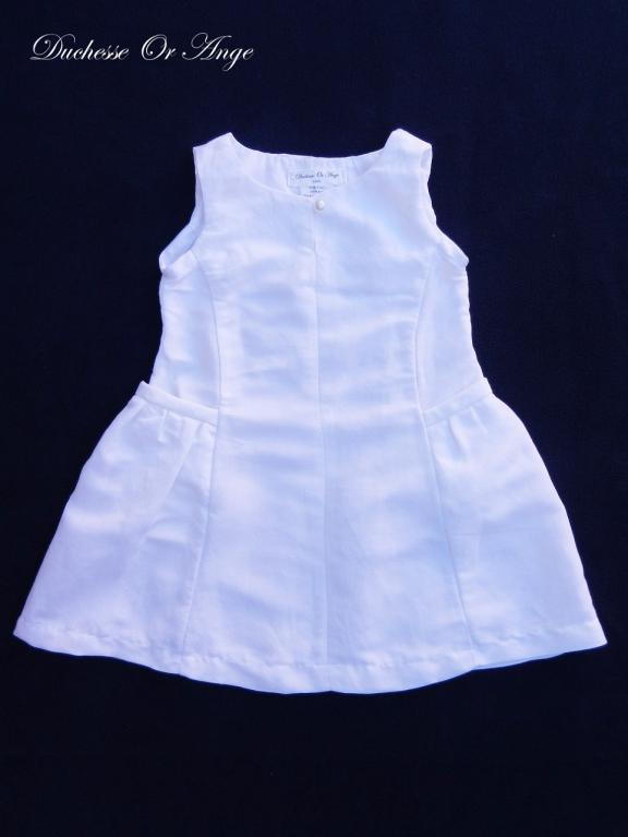 White linen dress with gathered pockets - 3 years old