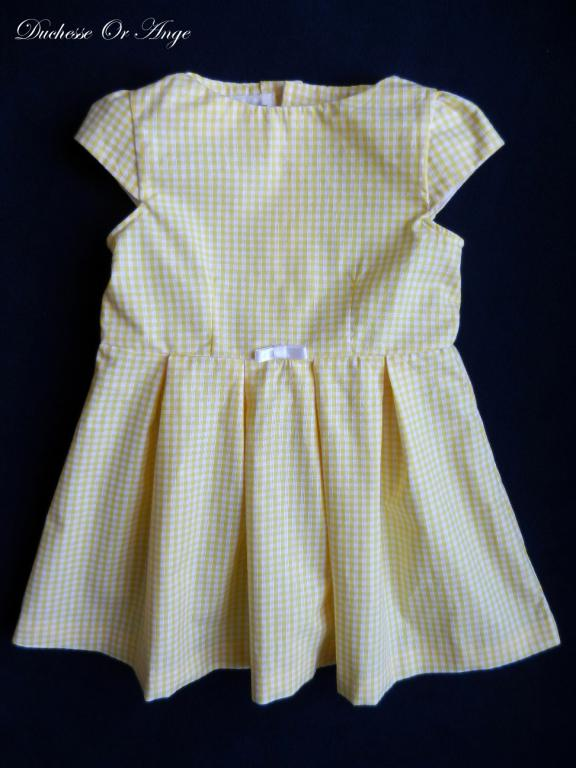 Yellow and white gingham short sleeves dress- 4 years old