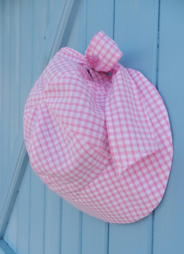 Doaa 14 b duchesse or ange chapeau casquette bebe noeud vichy rose blanc