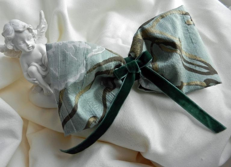 Green and gold silk hair bow on pin