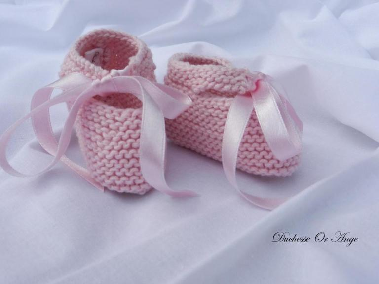 Pink baby booties 1/3 months