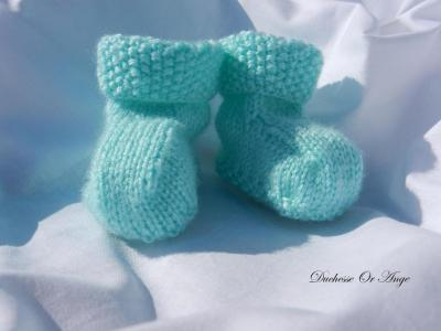 Mint green baby booties 1/3 months