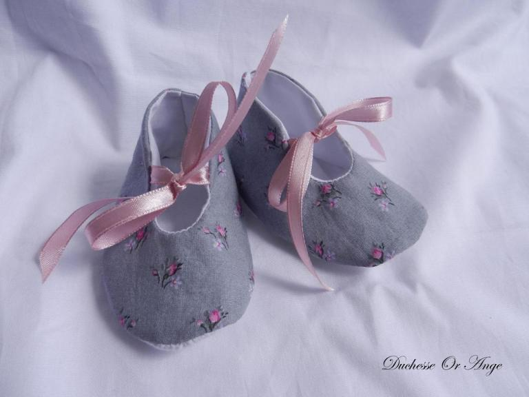 Baby shoes in gray cotton with pink roses pattern  - 1/3 months