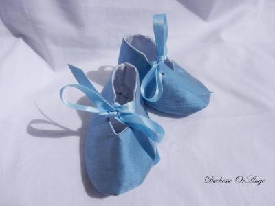 Baby shoes in light blue silk - 1/3 months