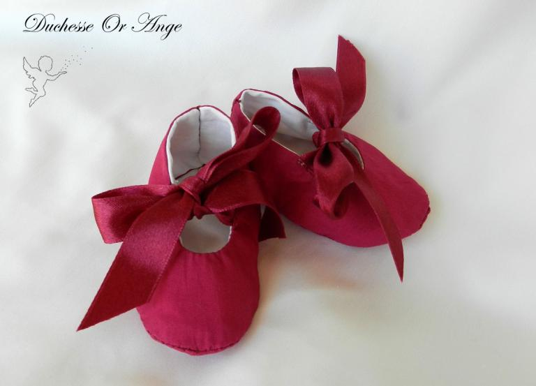 Baby shoes in raspberry pink cotton - 1/3 months