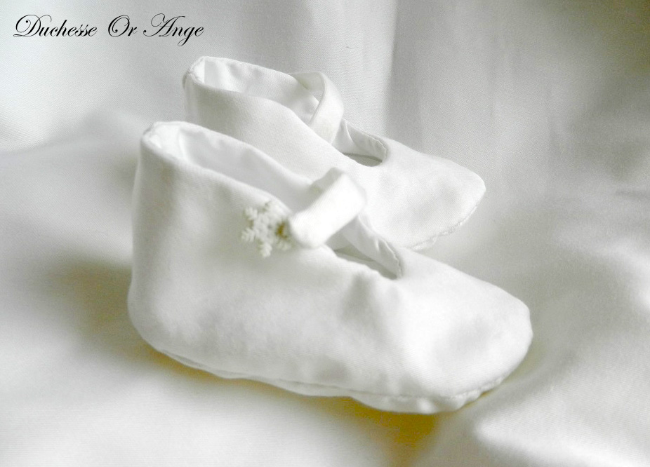 Doac 37 c chaussons bebe coton blanc white cotton baby booties