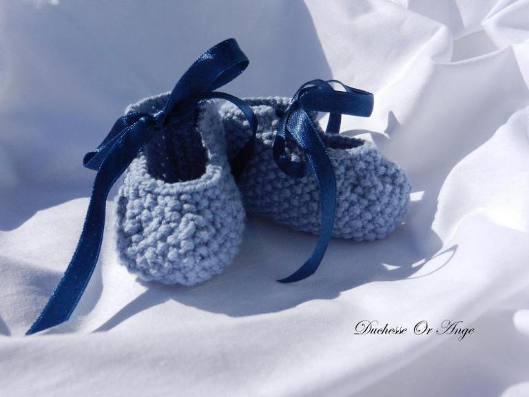 Blue baby booties 1/3 months