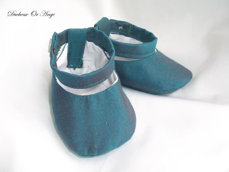 Baby shoes in green silk taffeta - 1/3 months