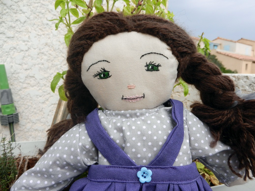 Doap 13 duchesse or ange poupee sophie doll b