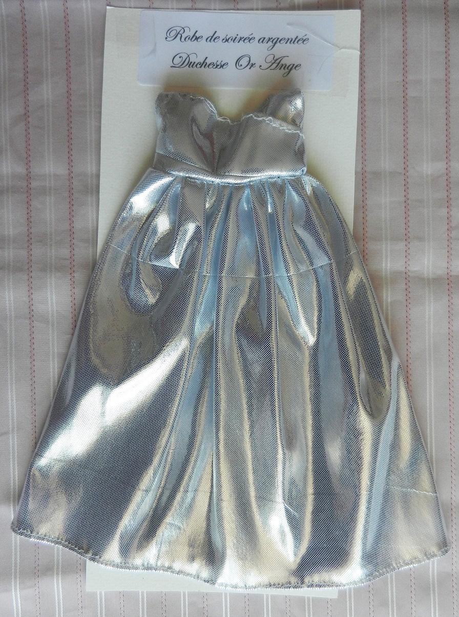 Doap 9 robe de soiree argent poupee