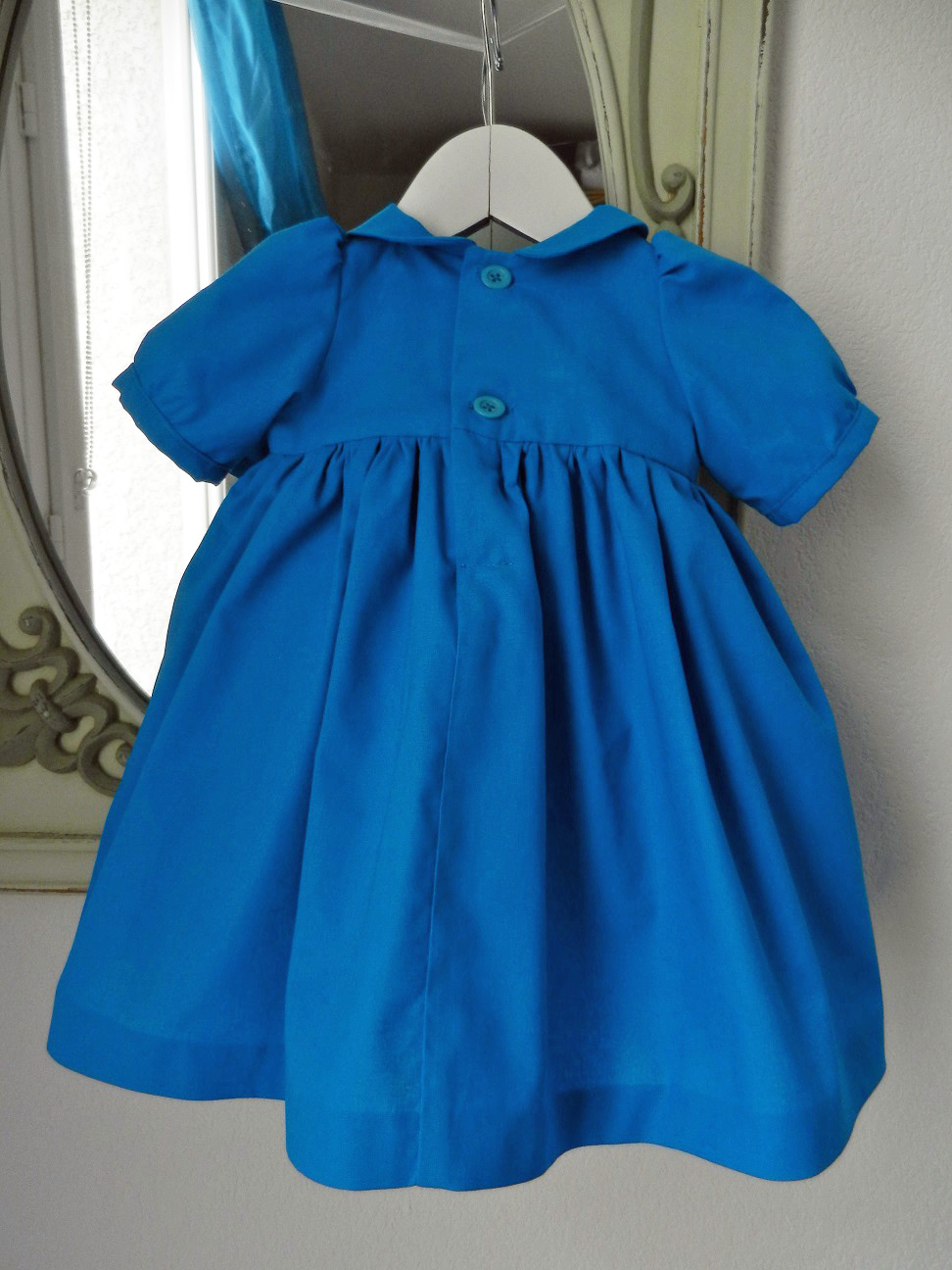 Duchesse or ange 190 robe bleue alice tablier blanc jupon blue dress white apron petticoat c
