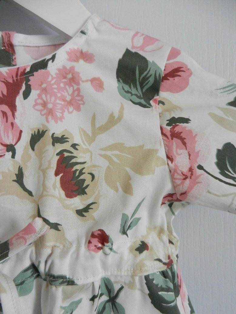 Duchesse or ange 231 c combinaison 18 mois fleurs roses