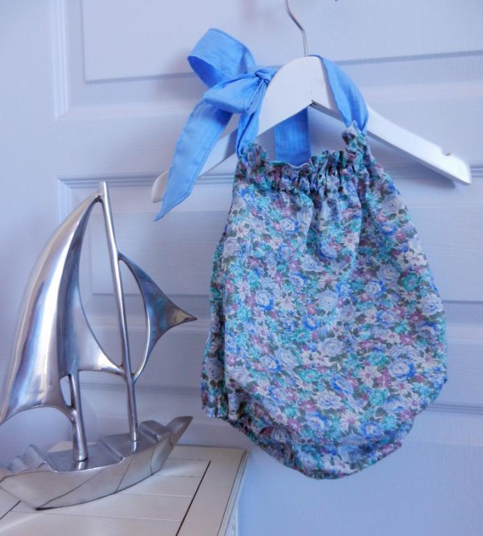 Maillot de bain bébé en coton fleurs bleues et vertes - 18 mois