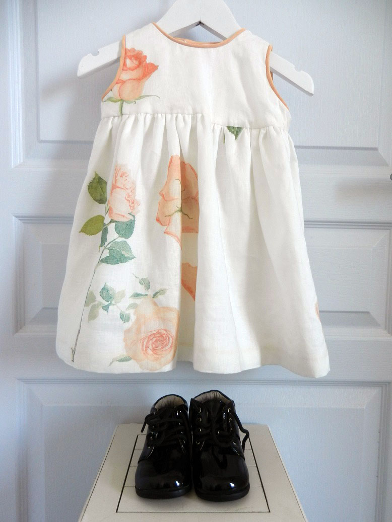 Duchesse or ange 251 a robe bebe voile de lin roses blanche orange baby dress linen white orange roses