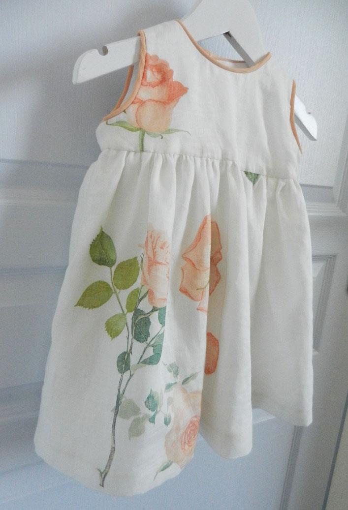 Duchesse or ange 251 c robe bebe voile de lin roses blanche orange baby dress linen white orange roses
