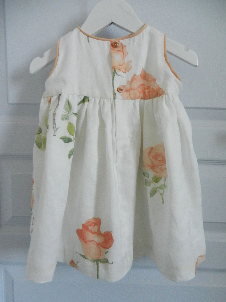 Duchesse or ange 251 d robe bebe voile de lin roses blanche orange baby dress linen white orange roses