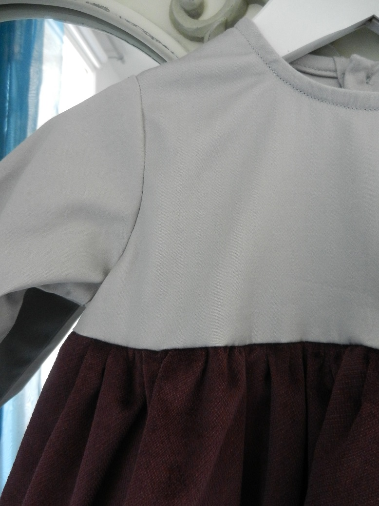 Duchesse or ange 253 d robe bebe velours grenat satin de coton gris cartes baby dress velvet purple grey