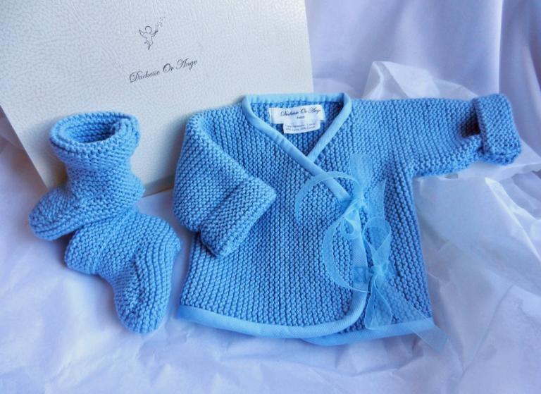 Ensemble naissance cache cœur et chaussons en tricot bleu azur - naissance/ 1 mois