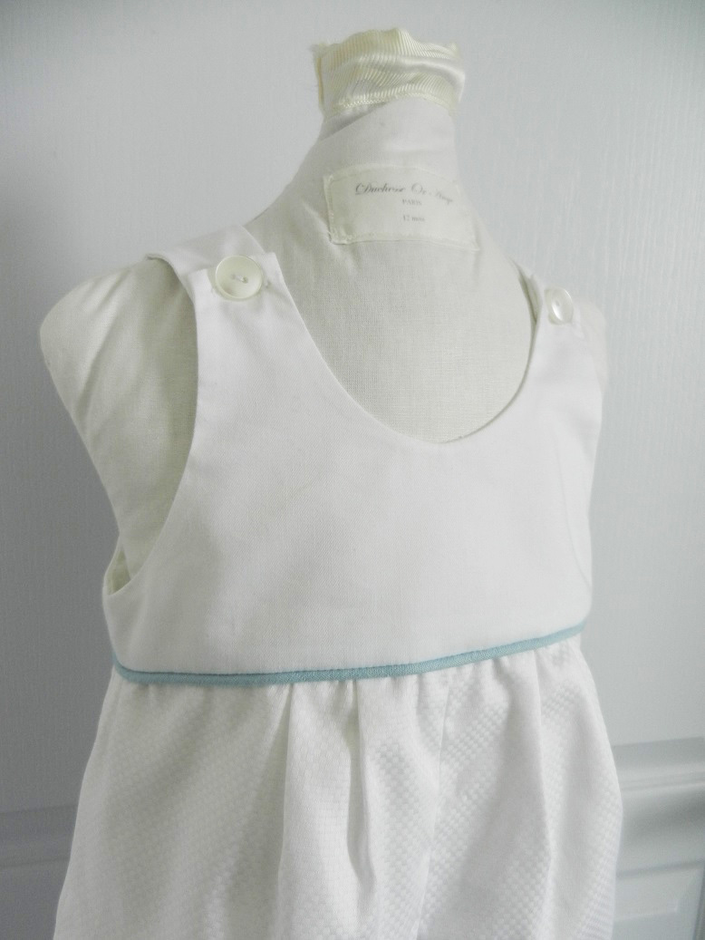 Duchesse or ange 262 salopette blanche bebe passepoil bleu white baby overalls blue piping f