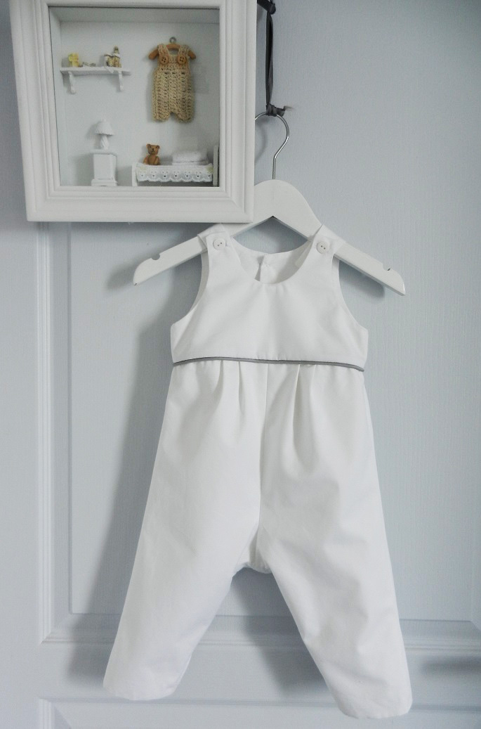 Duchesse or ange doa 261 a salopette coton blanc passepoil gris