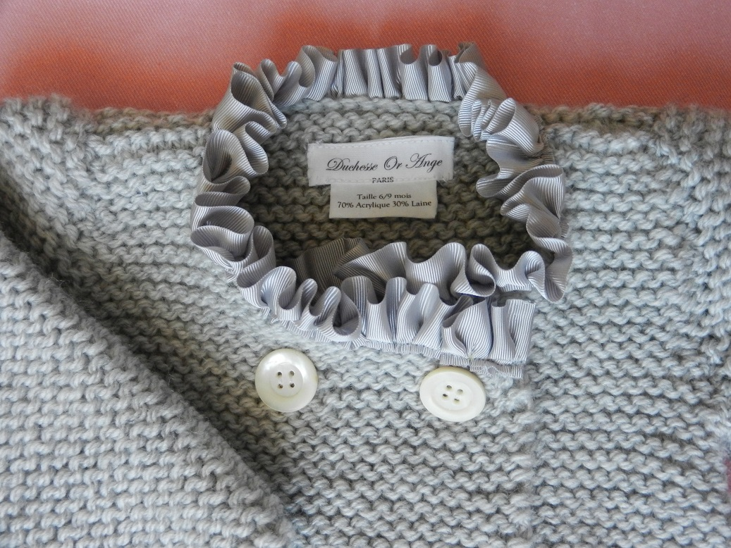 Duchesse or ange doa 273 gilet bebe tricot gris col satin gris grey baby cardigan grey satin collar b