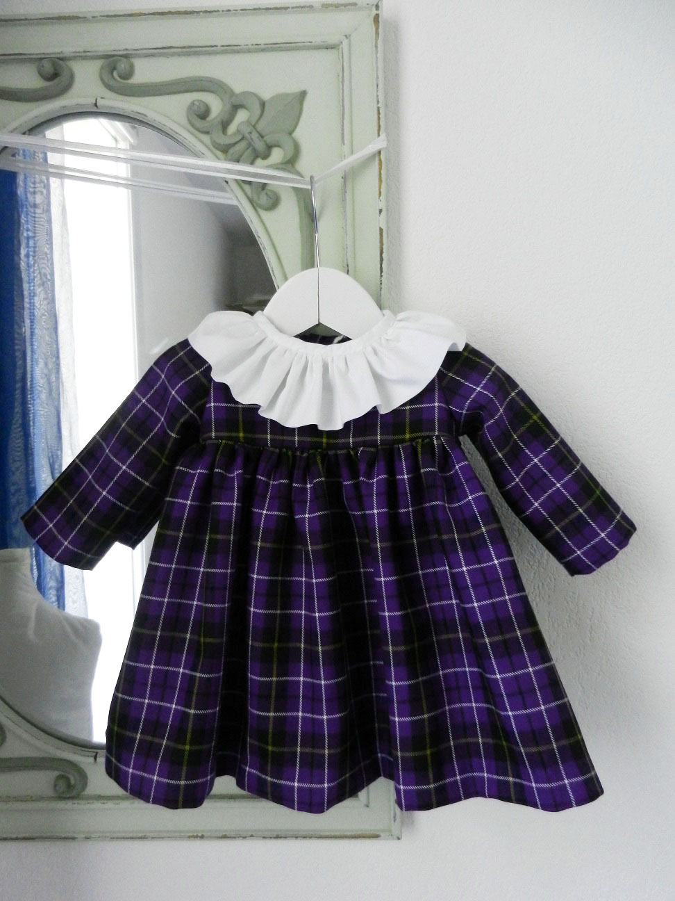 Duchesse or ange doa 281 robe bebe tartan violet col fronce blanc baby dress purple tartan white frilled collar a