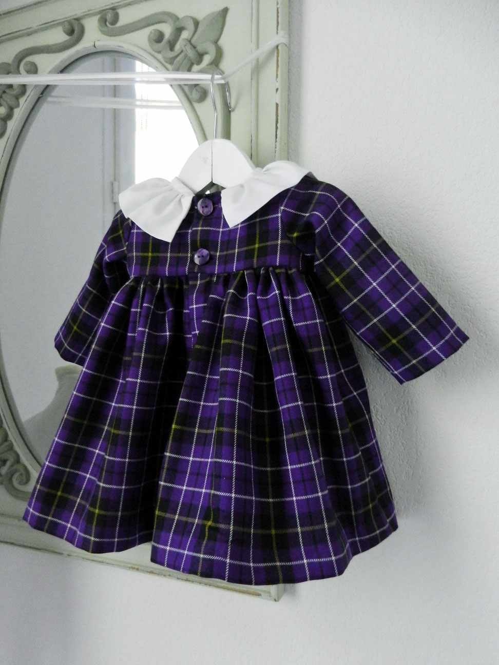 Duchesse or ange doa 281 robe bebe tartan violet col fronce blanc baby dress purple tartan white frilled collar c