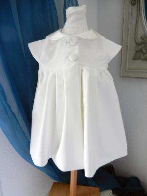 Off white velvet Camélia dress with champagne silk Peter Pan collar