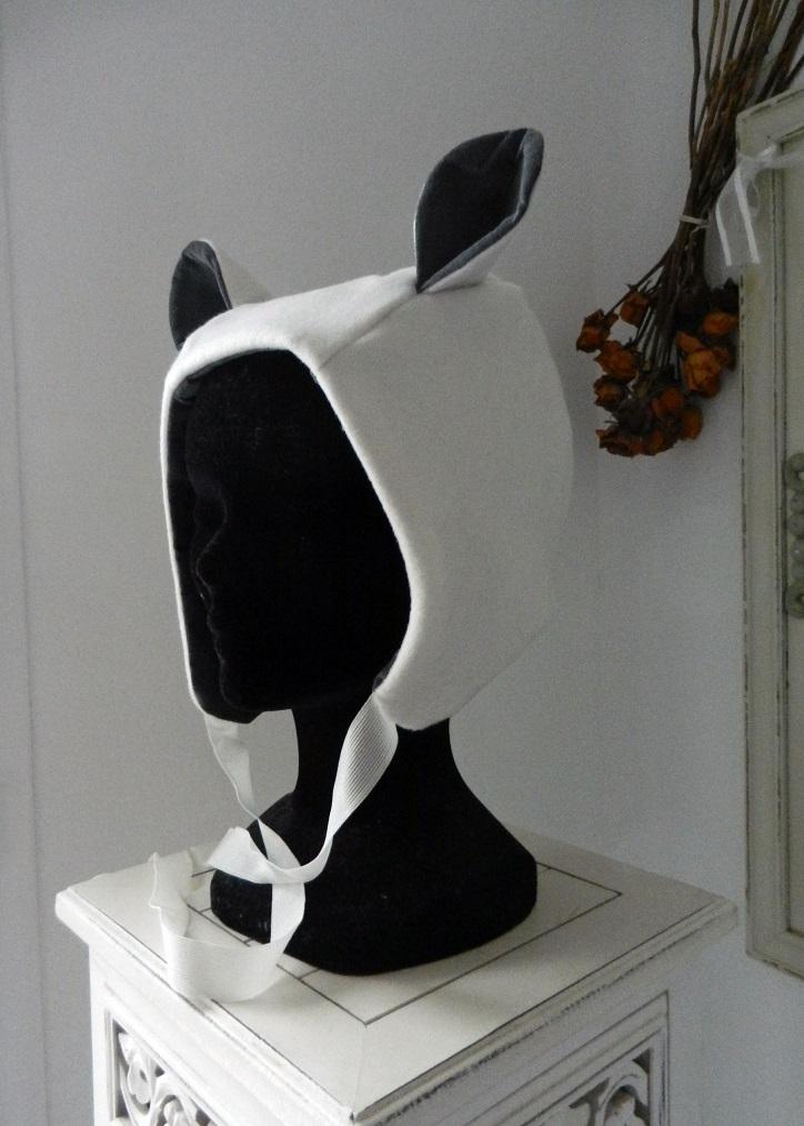 Duchesse or ange doa 295 capuche bonnet blanc oreilles velours gris white hat ears a