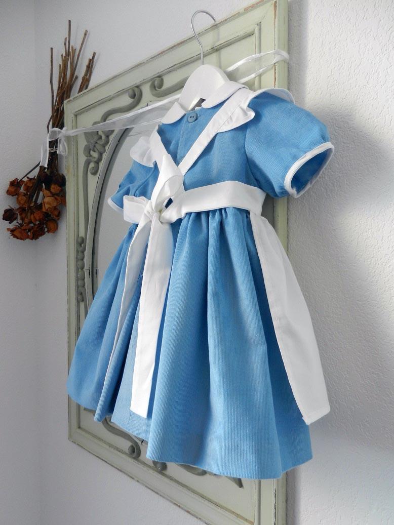 Robe bleu ciel alice au pays des merveilles