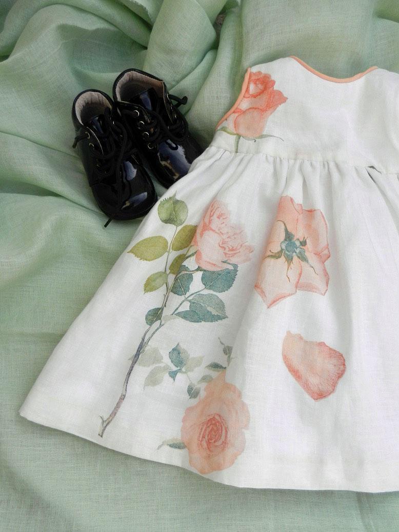 Robe lin blanc roses oranges