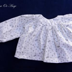 Doa 103 blouse enfant blanche et grise grey and white child blouse c
