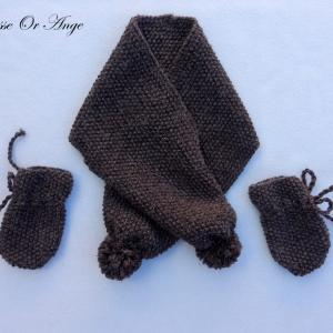 Doa 131 a echarpe et gants marrons bebe brown baby scarf gloves