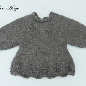 Doa 139 a haut en tricot gris anthracite fronce aux poignets 3 mois anthracite grey knitted top with gathers at the wrists 3 months old