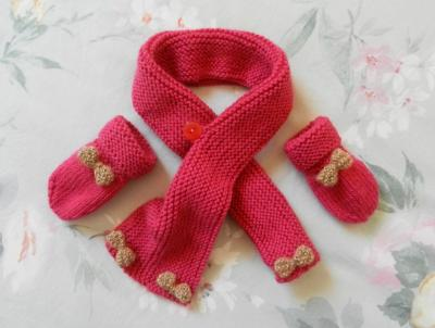 Bright pink scarf and mittens decorated with sparkly bows - 6/9 months old