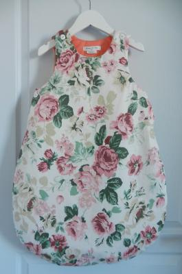 Baby sleeping bag in big pink flowers pattern cotton fabric - 6 / 12 months old