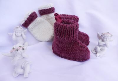 Raspberry pink and off white wool knit  booties and mittens - 6 months old