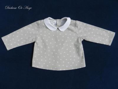 Chemise à col rond en coton gris à motifs coeurs blancs - 12 mois